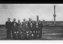 Działacze KS Szyby Jankowice na boisku przy kopalni - lata 30-te ub. wieku