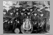 """1935 - Orkiestra górnicza """"Szybów Jankowice"""", powstała w 1919 roku - (foto ze zbiorów kopalni)"""