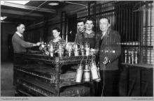 Lata 60-te ub. wieku - Pracownicy lampowni (lampiarni) - (foto ze zbiorów kopalni/P. Głusiec)