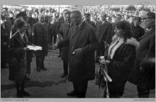 1968 - Powitanie I Sekretarza Komitetu Wojewódzkiego PZPR Edwarda Gierka przez załogę brykietowni - (skan fot. ze zbiorów A. Vogel)