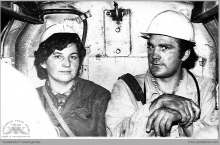 Lata 70-te ub. - W wagoniku (bryczce, kolasce) kolejki podziemnej – (foto ze zbiorów D. Kurczaka)
