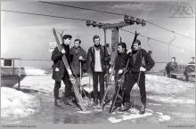 """1972 - Obóz zimowy pracowników KWK """"Jankowice"""" na Szrenicy w Karkonoszach – (foto ze zbiorów M. Semana)"""