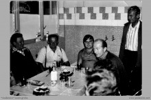 """1975 - 3) Ośrodek wypoczynkowy """"Górnik"""" w Kątach Rybackich. Po fajrancie - (foto dostarczone przez L. Adamczyka)"""