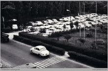 """1977 - 2) Parking przy kopalni """"Jankowice"""" – (foto ze zbiorów kopalni)"""