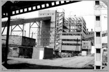 1977 - 2) Rozbudowa obiektów i urządzeń Zakładu Przeróbki Mechanicznej Węgla – (foto ze zbiorów kopalni)