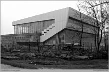 1983 - Roboty wykończeniowe przy hali widowiskowo-sportowej – (ze zbiorów kopalni/fot. Zenon Keller)