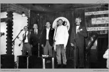1987 - Występ Teatrzyku Pod Kuflem podczas IV Spotkań Gwarków Jankowickich - (foto ze zbiorów J. Schinohla)