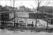 """Lata 80-te ub. wieku - Rozpoczęcie budowy pływalni krytej przez kopalnię """"Jankowice"""" - (foto ze zbiorów M. Semana)"""