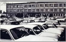 """1977 - 1) Parking przy kopalni """"Jankowice"""" – (foto ze zbiorów kopalni)"""