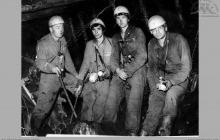 1979 - Kierownictwo oddziału przy uskoku w ścianie wydobywczej – (foto ze zbiorów J. Panyło)