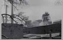1991 - Szyb 8 w budowie - widok od strony centrali telefonicznej - (foto ze zbiorów kopalni)