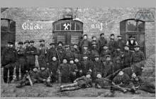 """Lata 20-te ub. wieku - Stacja ratownicza na """"Blücher Schächte"""" - (foto ze zbiorów kopalni/L. Adamczyka)"""